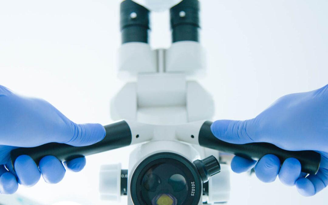 microscopio in odontoiatria